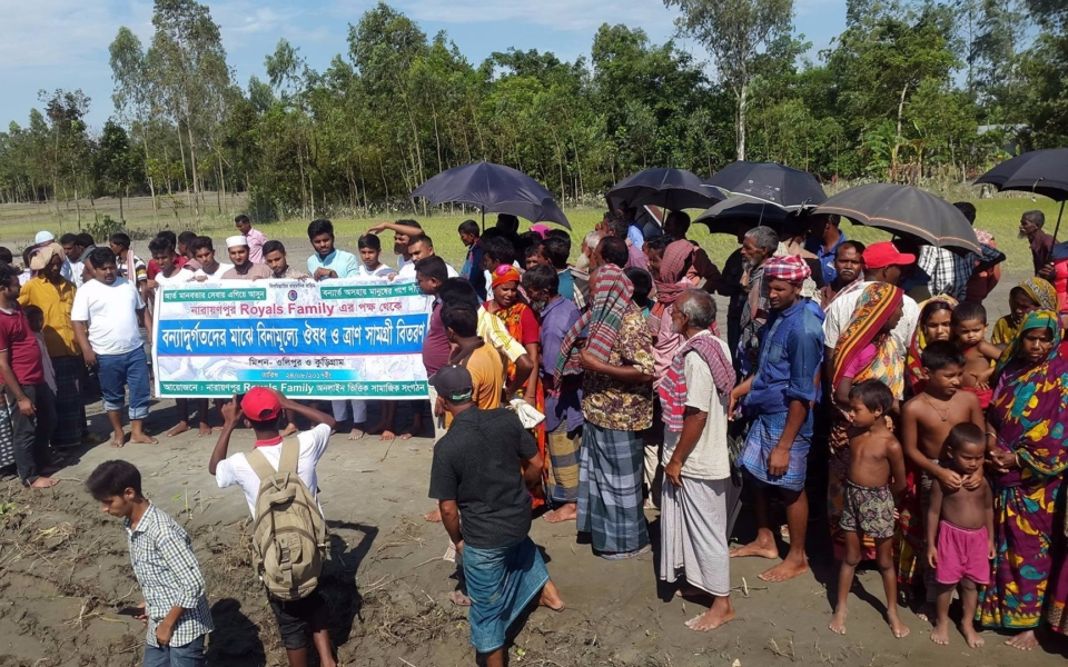 Relief-Distribution-by-Narayanpur-Royals-Family-Chandpur-at-Ulipur-Kurigram-2017