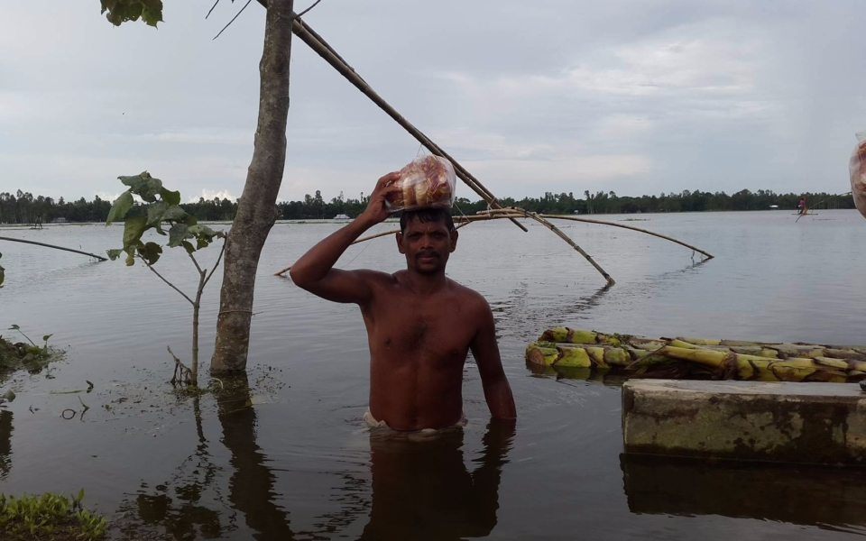 Relief-for-Flood-Victims-Ulipur-Upazila-Kurigram-2017-3