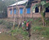 অবৈধভাবে বালু উত্তোলনে হুমকির মুখে বিদ্যালয় ভবন